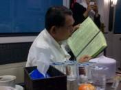 pak kyai...itu daftar lagu paak, bukan menu makanan :D